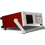 Urządzenie posiada rączkę do przenoszenia, której można też użyć do jego nachylenia w celu ułatwienia odczytu