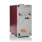 Wzmacniacz laboratoryjny LPA05 wyposażony jest w BNC i 4mm bezpieczne złącza wyjściowe