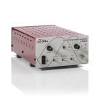 Wzmacniacz LPA400 jest wyposażony w przełącznik na panelu przednim do wyboru współczynnika wzmocnienia x50, x200 i x500