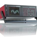 Analizator PPA4500 oferuje kolorowy graficzny wyświetlacz oraz przyciski szybkiego dostępu do funkcji analizatora
